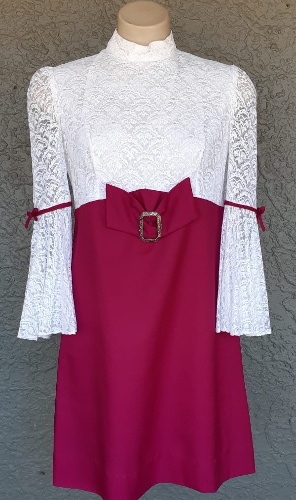 1960's Bell sleeved Maroon/ white Polyester mini Dress by 'Habe Garments of Sydney', size 12
