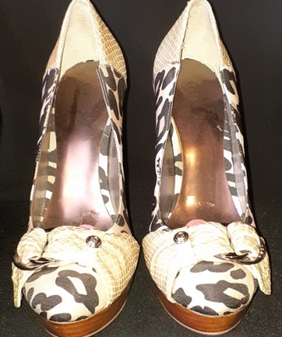 'Guess' platform high heel,fabric leopard/leather snakeskin size 9