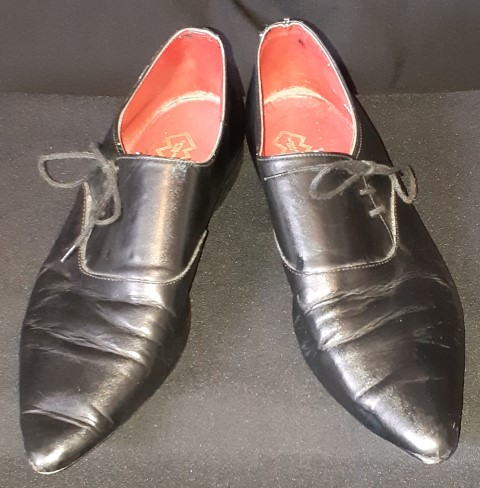 Winkle Pickers shoes, black, by 'Windsor Smith', size 7