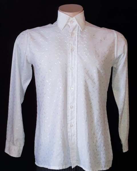 White shirt, embossed, poly/cotton by 'Internaziona', size M