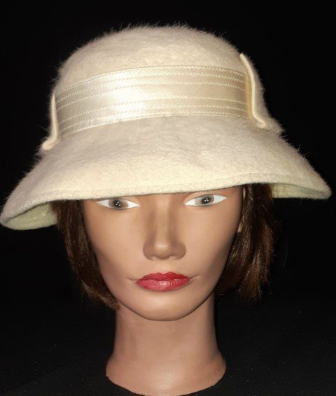 Wool Felt hat, 1950s front peak, ribbon trim, size 53cm