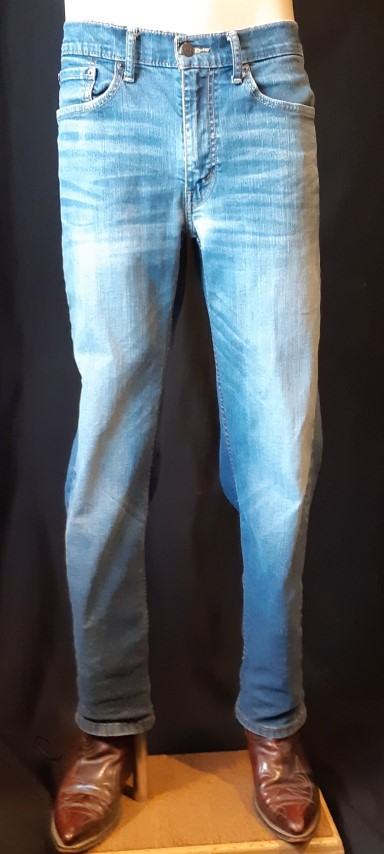 "Levis, 514, blue denim, waist 32"" length 30"""