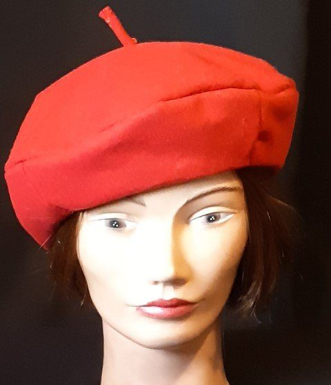 Red Beret, felt polyester by 'Carnival Products' size S-M