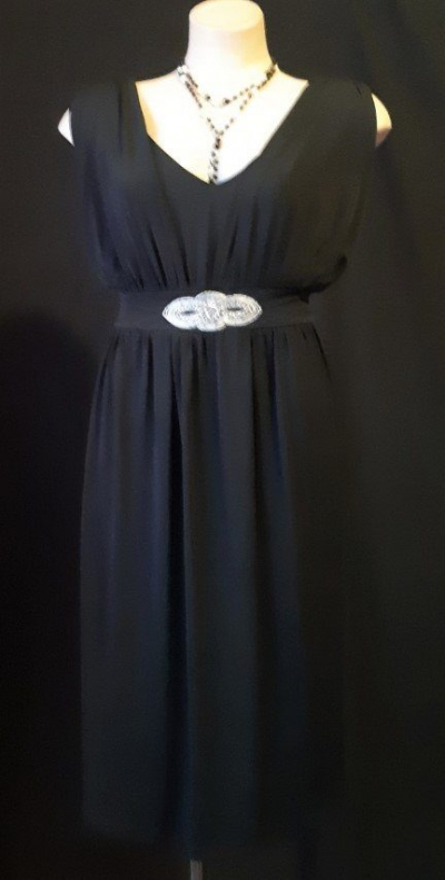 1920's inspired black shift dress with tie waist, polyester size 20