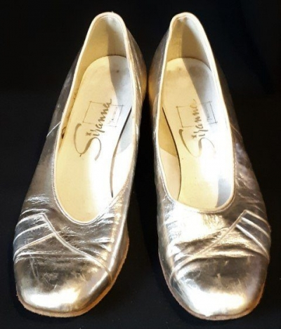Gold Patent leather shoe, 1960's, by 'Westbrook', size 7.5b