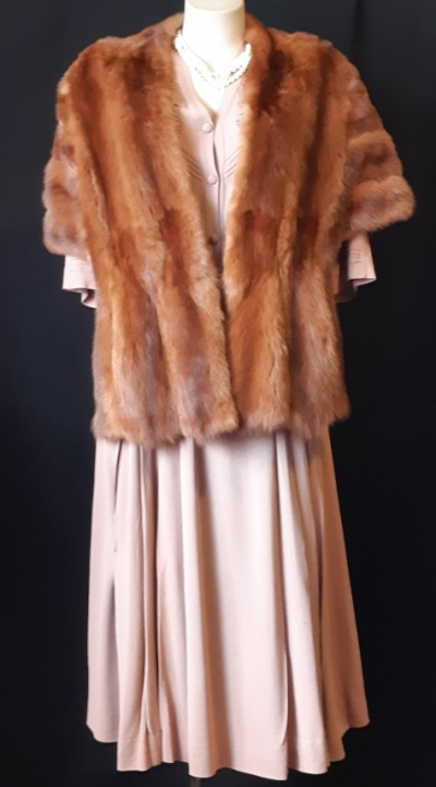 Vintage fox fur wrap, size S-M.