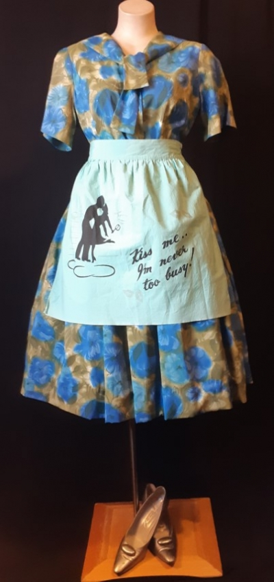 1950's Cotton tie waist apron, pale green by 'Taniwha', size S-M
