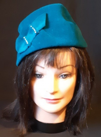 1950's Velour hat, turquise, Made in Chechosovia by 'Raymor hats', size 51cm, S