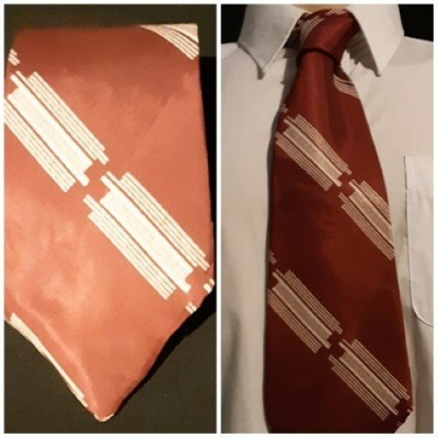"Silk tie, 1940's, Maroon By ""Corbras', Made in Italy.."