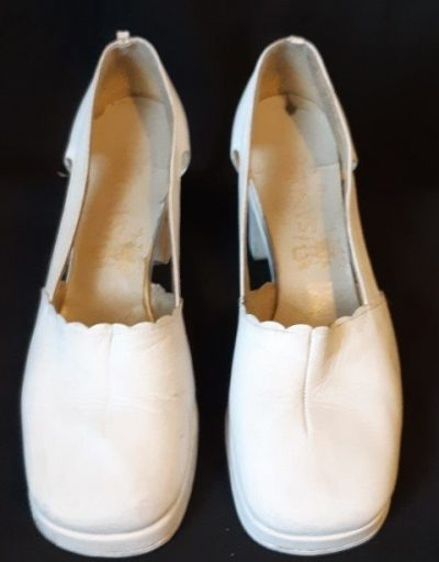 "1960's White Leather Platform Heels, by ""Sandler' size 8.5B"
