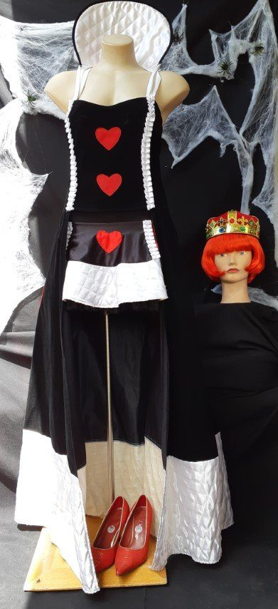 Queen of Hearts costume with wig and crown, size 14-16