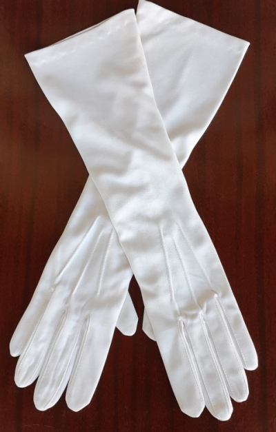 Vintage 3/4 length cream glove by 'Finelon', nylon, size 7&1/2