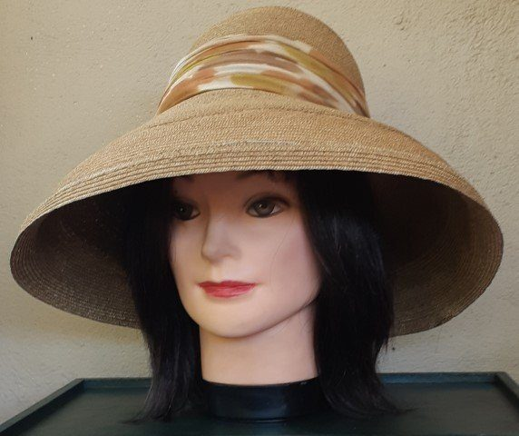 1950's Straw Sun Hat with chifion printed band, 53cm circumference