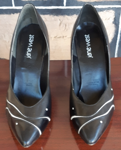 Court Shoes, leather, Black with white trim, By 'Jane West', size 9.5
