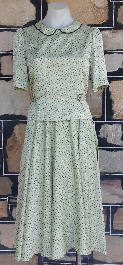 1970's Peter Pan collar dress, polyester, green print by 'Ralph Baker', size 10-12