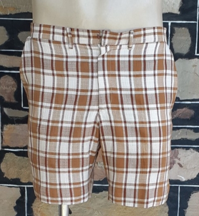 1970's Tan/cream checked shorts, poly/ cotton, by 'Robert Bruce', size S -32""