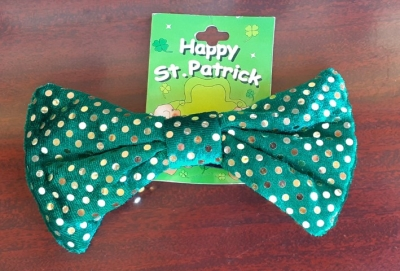 St.Patricks Day costume bow-tie, polyester/ sequined, green.