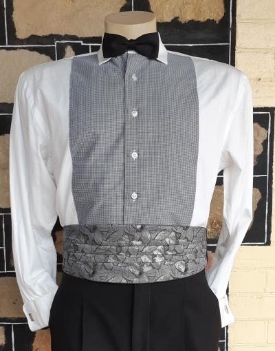 Vintage cumberbun, silver lurex/ polyester, by 'Vogue', one size.