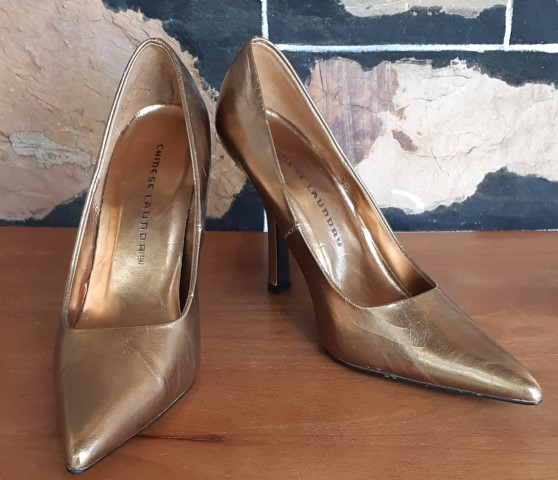 Gold Pointy Toe High Heel, synthetic patent, by 'Chinese Laundry' size 8.5M