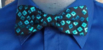 Bow tie, Black & aqua print, polyester, metal clip.