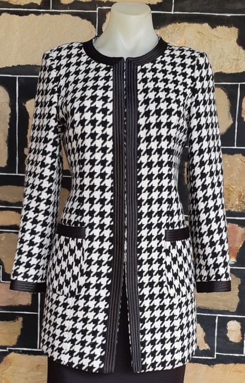 Hounds tooth 3/4 length jacket, Acrylic/polyester, black/white, size 10