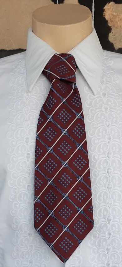 Tie, 1970's wide style, Maroon/blue/white print, polyester