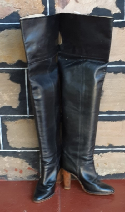Over the Knee leather Boots, Black, by 'Vero Cudio', Italy, size 38